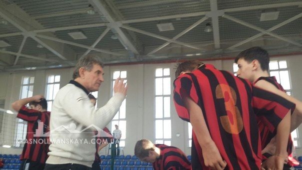Волейбол - Тренер и команда