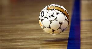 Чемпионат по мини-футболу продолжается.