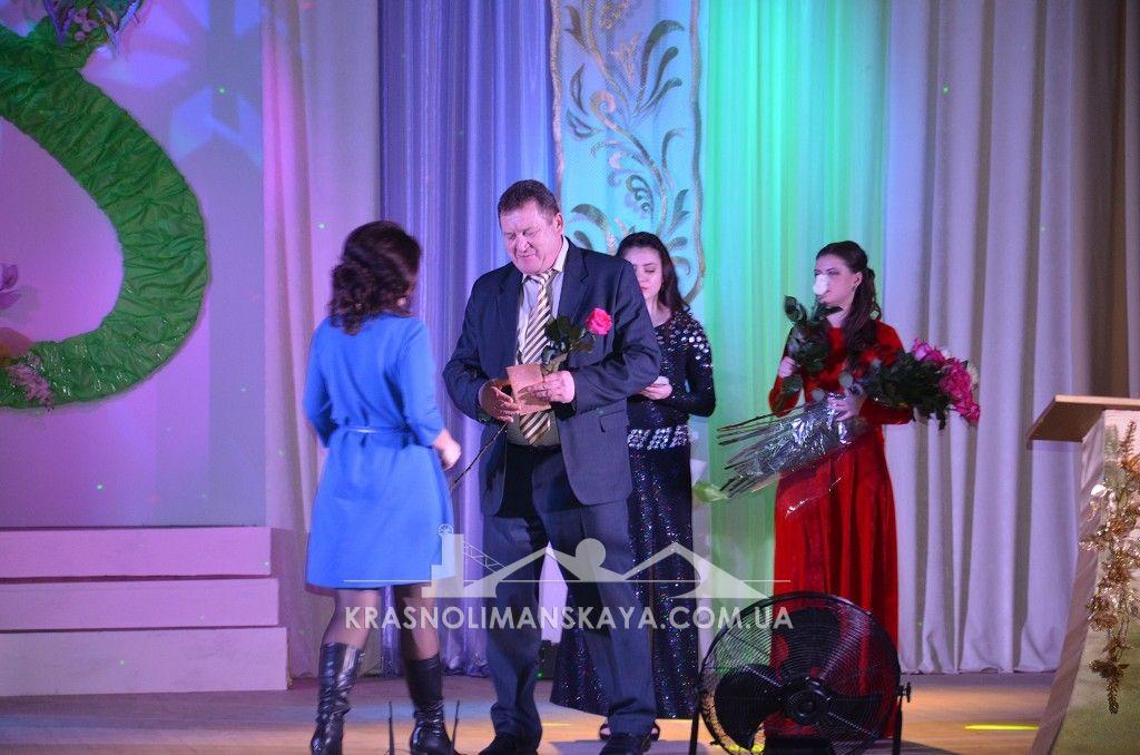 Александр Иванович Дубовик поздравили женщин с праздником 8 Марта