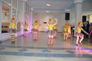 Творческий коллектив Дворца культуры «Шахтер» поздравил краснолиманцев с наступающими новогодними праздниками